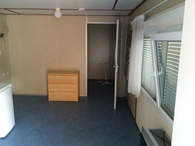 Lambrisering In Badkamer ~   badkamer met douche, toilet, wasbak en wasmachine aansluiting complete